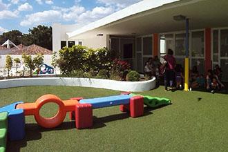 Zona de recreo exterior de la escuela infantil de Málaga Centro